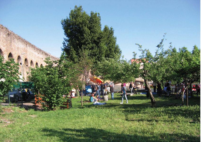 Orti e giardini condivisi - Giardino condiviso di via del Mandrione - Foto Zappata Romana 01