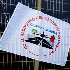 """Aeroporto Fiumicino, comitato FuoriPISTA: """"Trivellazioni in area protetta, fermiamo lo scempio"""""""