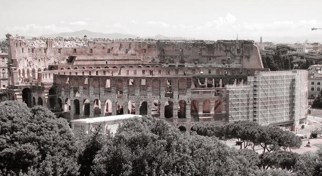 Il Colosseo dal Convento di San Bonaventura al Palatino (foto Marco Bombagi)