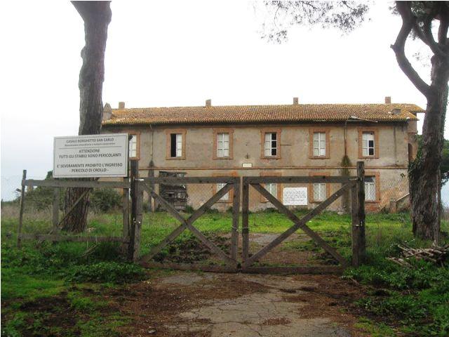 Uno dei casali storici di Borghetto S. Carlo