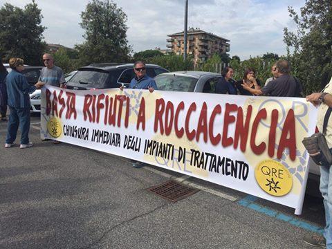 Un momento delle proteste contro il Biodigestore di Rocca Cencia