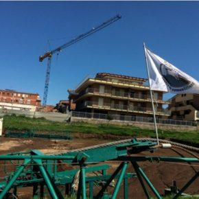 """Speculazione """"Mugilla"""", il cantiere è bloccato e sub iudice ma il costruttore continua a vendere"""